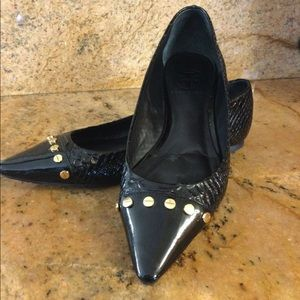 Tory Burch Black Pointed Snake Toe Flats